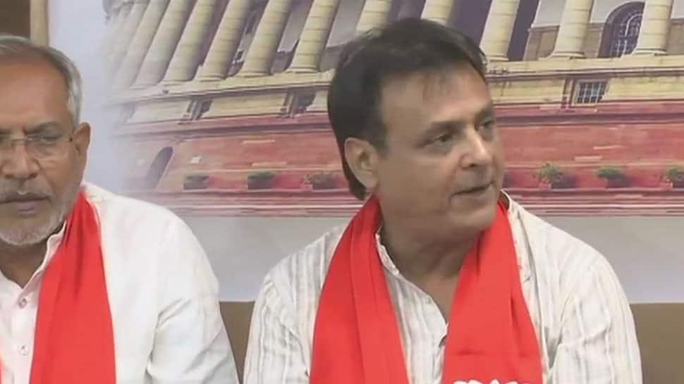 Gujarat: Jawahar Chavda quits Congress, joins BJP