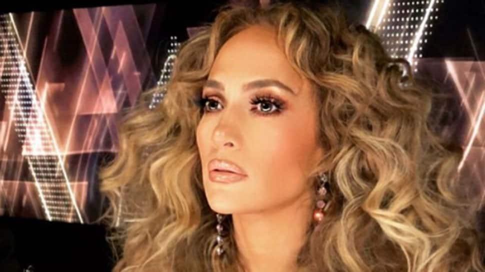 Jennifer Lopez, Alex Rodriguez get engaged