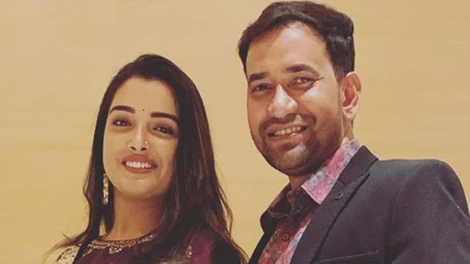 Aamrapali Dubey calls Dinesh Lal Yadav Nirahua 'Mr Handsome'