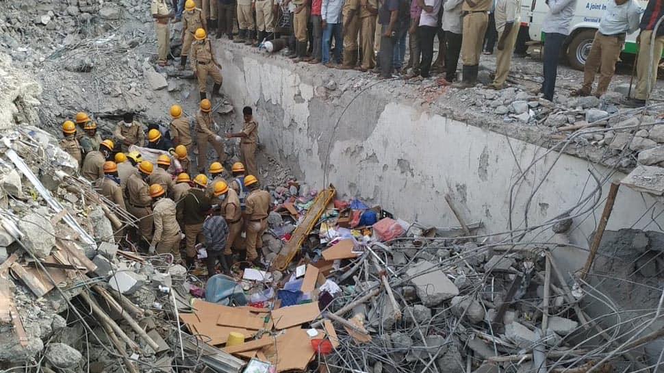 Dharwad building collapse: Death toll rises to 14, Karnataka CM HD Kumaraswamy visits site