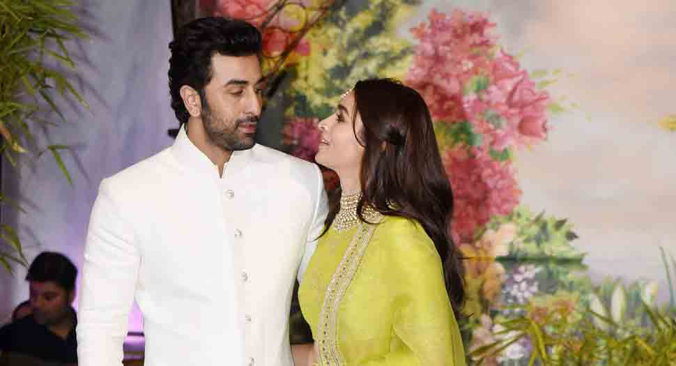 Alia Bhatt says 'I Love You' to Ranbir Kapoor on national television-Watch