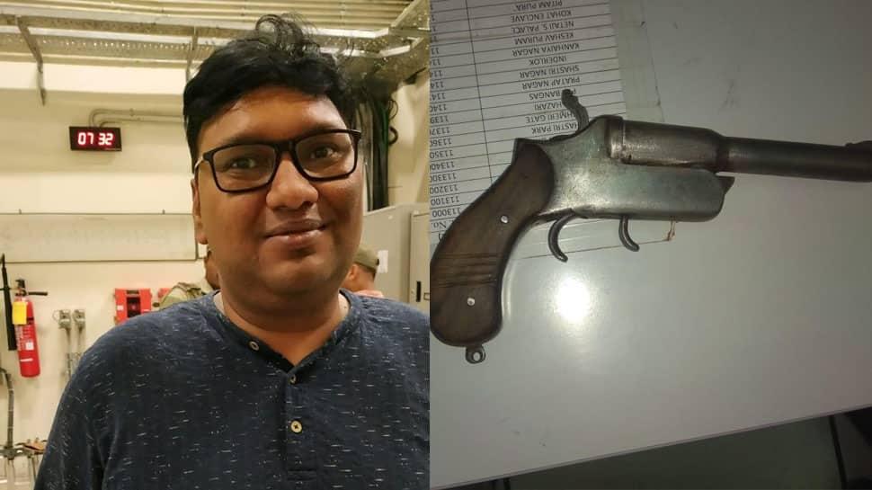 Man nabbed for carrying pistol in Delhi Metro