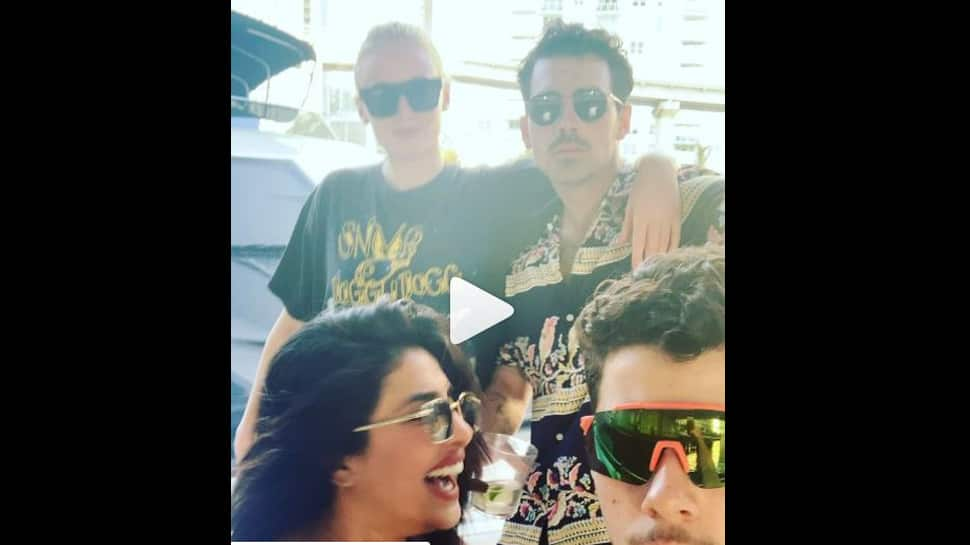 Priyanka Chopra-Nick Jonas groove to Kareena Kapoor's Tareefan-Watch