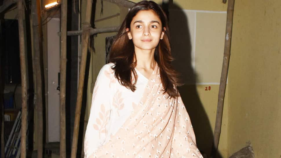 Alia Bhatt snapped post salon session, looks breezy in traditional—Pics