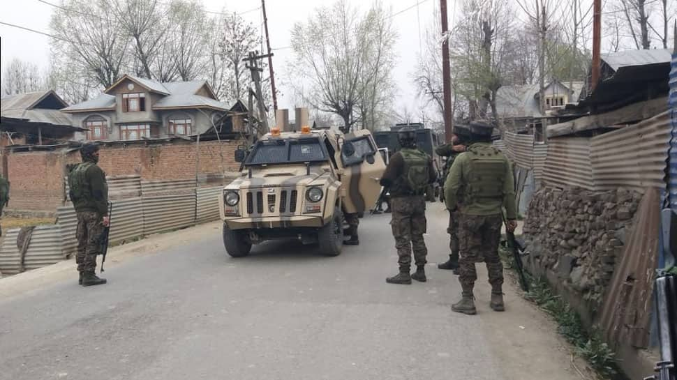 J&K: 2 terrorists killed, 4 jawans injured in ongoing Budgam encounter
