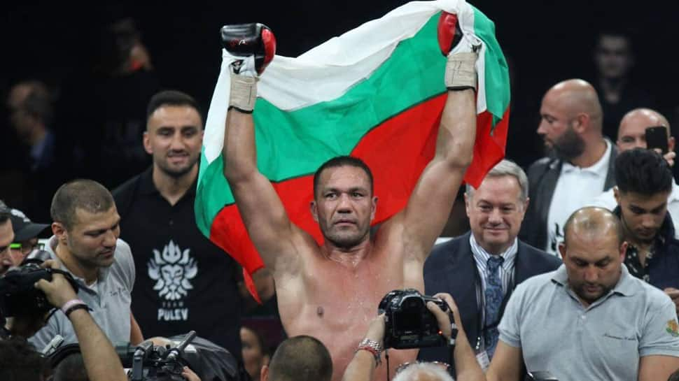 Bulgarian Kubrat Pulev to appear before California Athletic Commission for kissing reporter