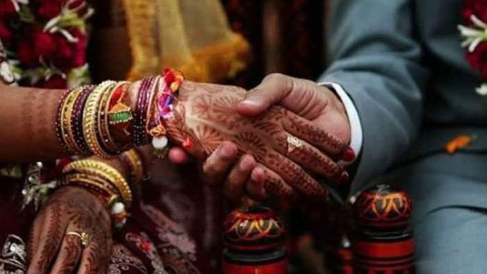 Transgenders transcend social barriers, get married in Chhattisgarh