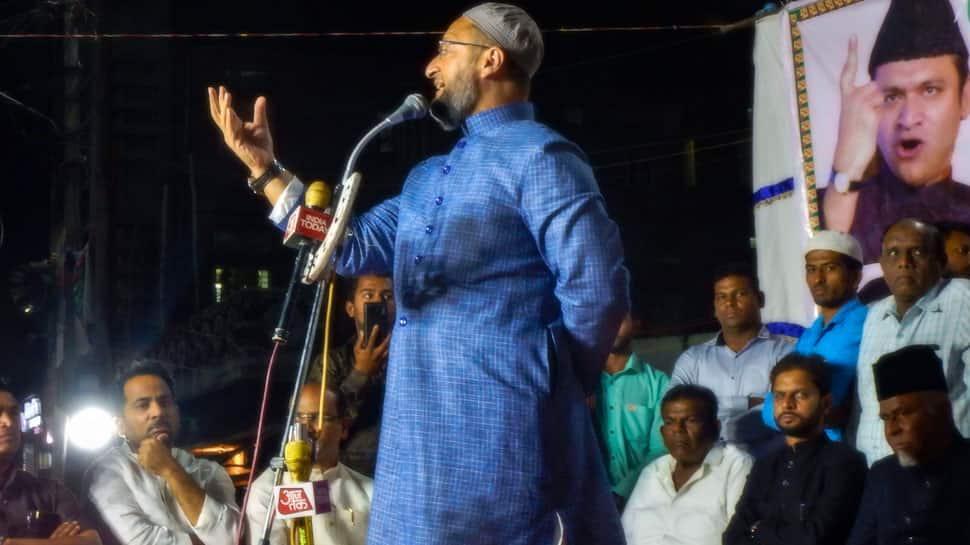 K Chandrashekar Rao better choice for Prime Minister's post: Asaduddin Owaisi