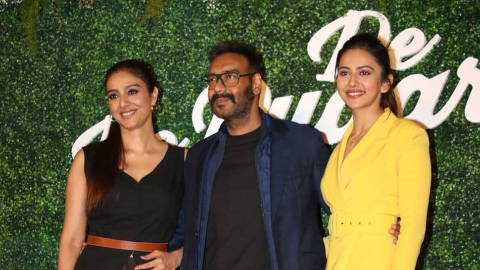 'De De Pyaar De' is Ajay Devgn's naughty-at-50 screen shot