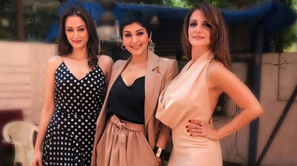 Sonali Bendre looks gorgeous in...