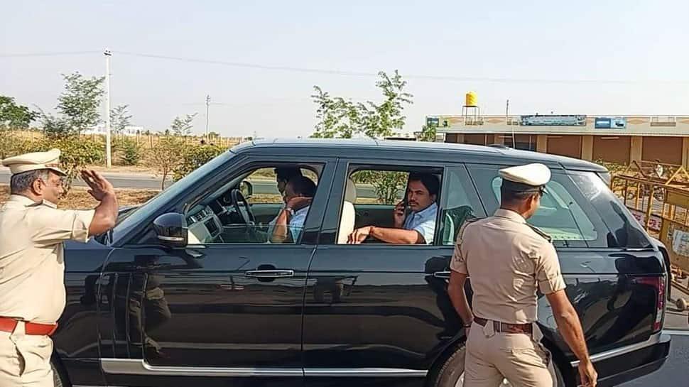 Election Commission stops Karnataka CM Kumaraswamy's SUV for checking