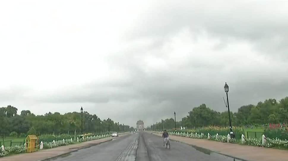 Mercury rising in Delhi; thunderstorms, squall likely later