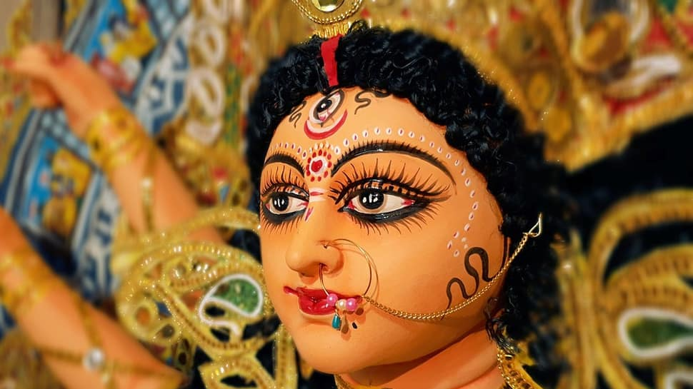 Chaitra Navratri 2019: Day 2 - Worship goddess Brahmacharini for peace and virtue today