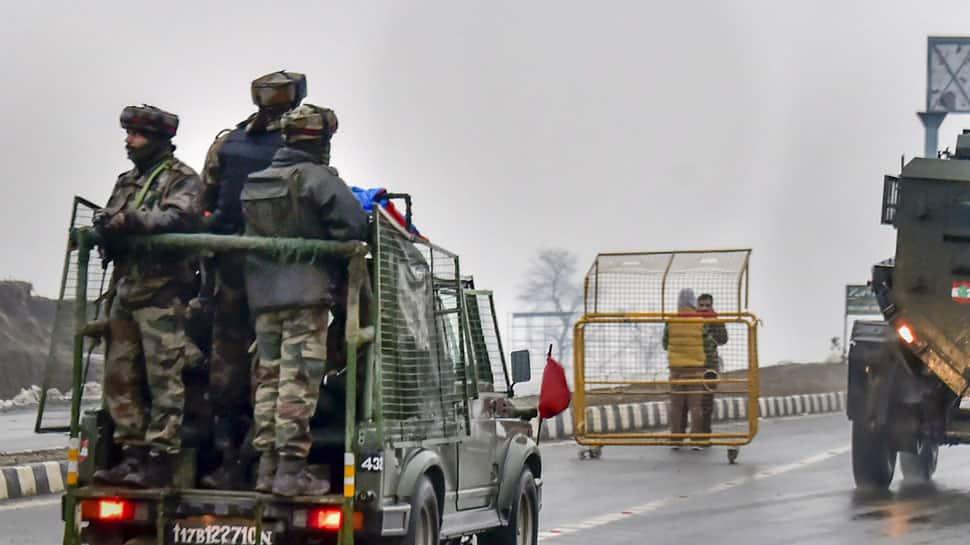 Ban on movement of civilian vehicles on Srinagar-Jammu begins on Sunday