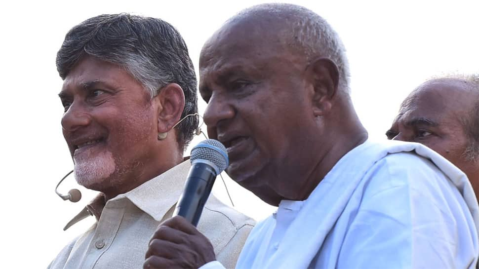 HD Deve Gowda pitches Chandrababu Naidu as opposition's PM face; Andhra CM junks suggestion