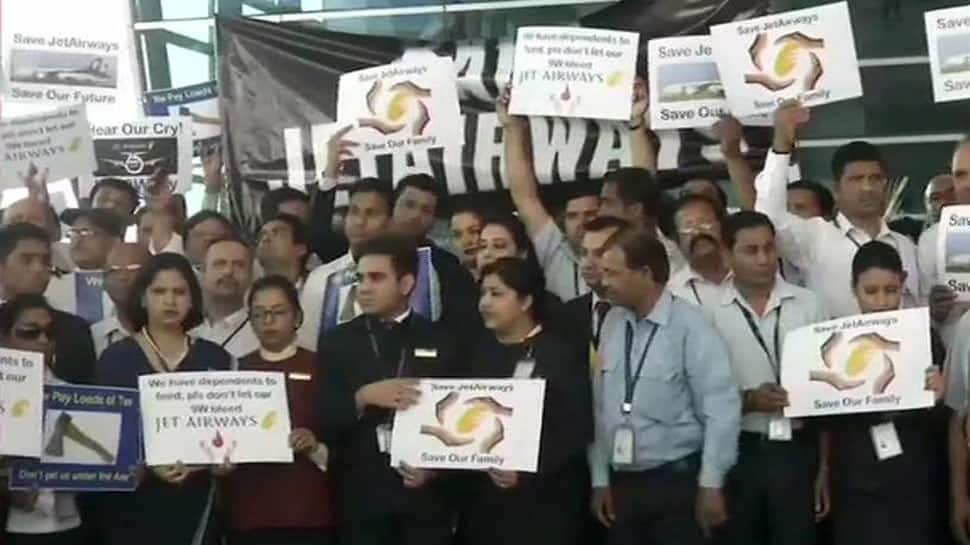 1,100 Jet Airways pilots decide not to fly from April 15