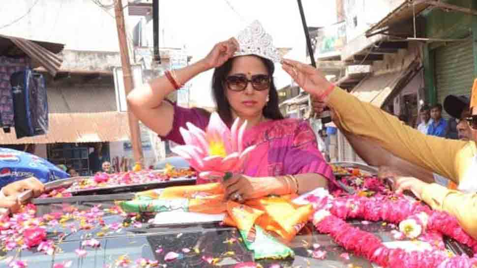 BJP, Congress supporters clash at Hema Malini's Mathura road show