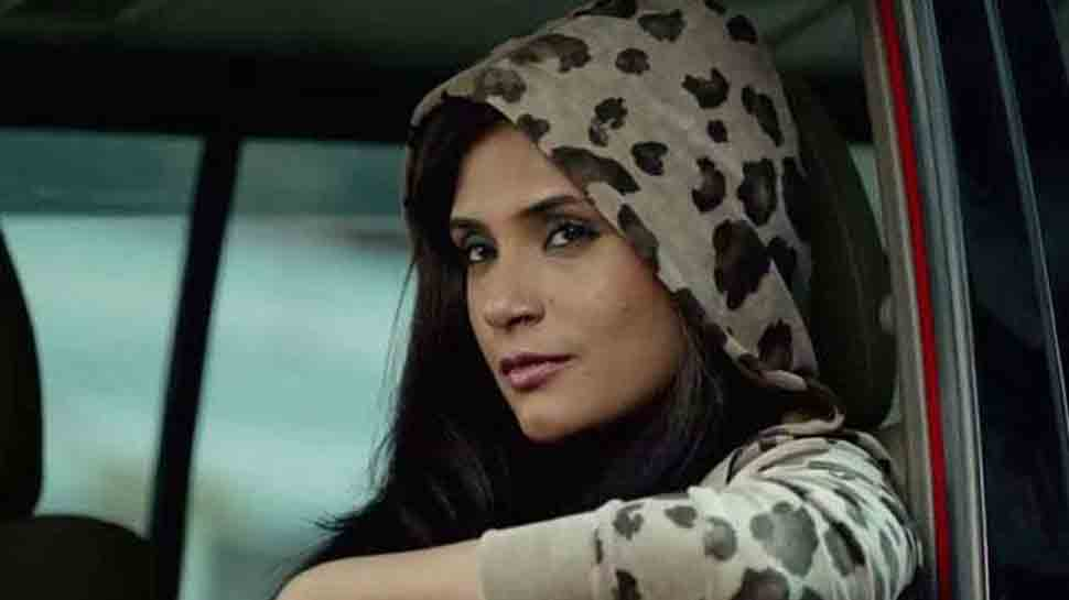 Richa Chadha supports promotion of handloom weavers