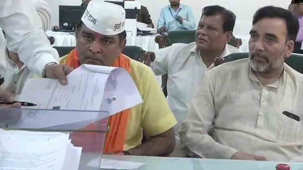 Lok Sabha election campaign live updates: AAP's west Delhi candidate Balbir Singh files nomination; Gopal Rai also present