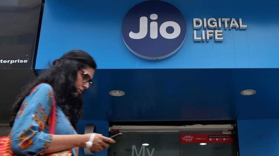 Reliance Jio Wins IMC Digital Technology Award 2018 for Pan-India IP based 4G Network