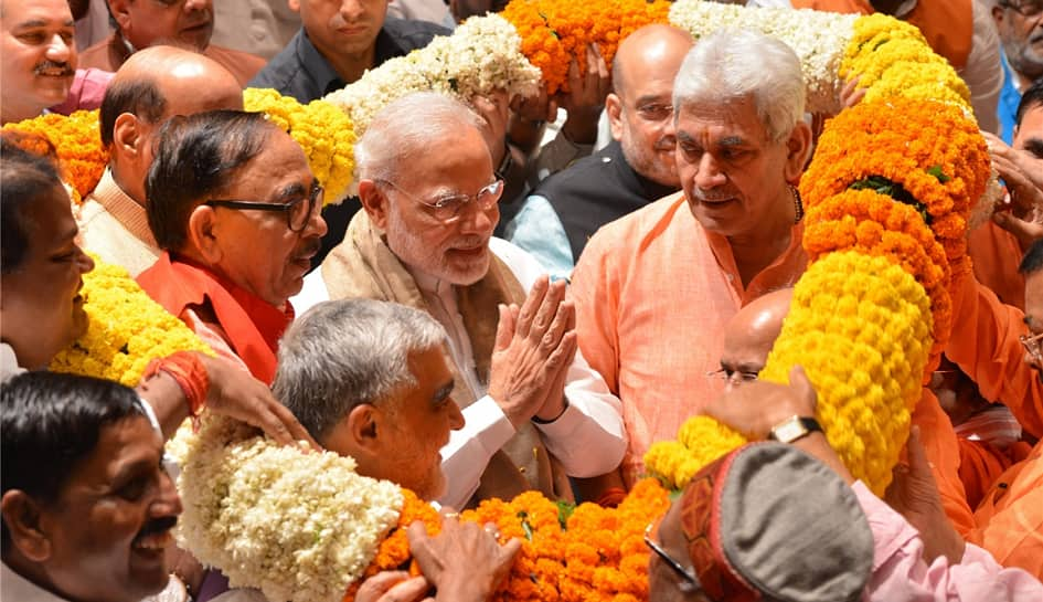 PM Modi's mega roadshow and 'Ganga aarti' in Varanasi on Thursday, day before filing nomination
