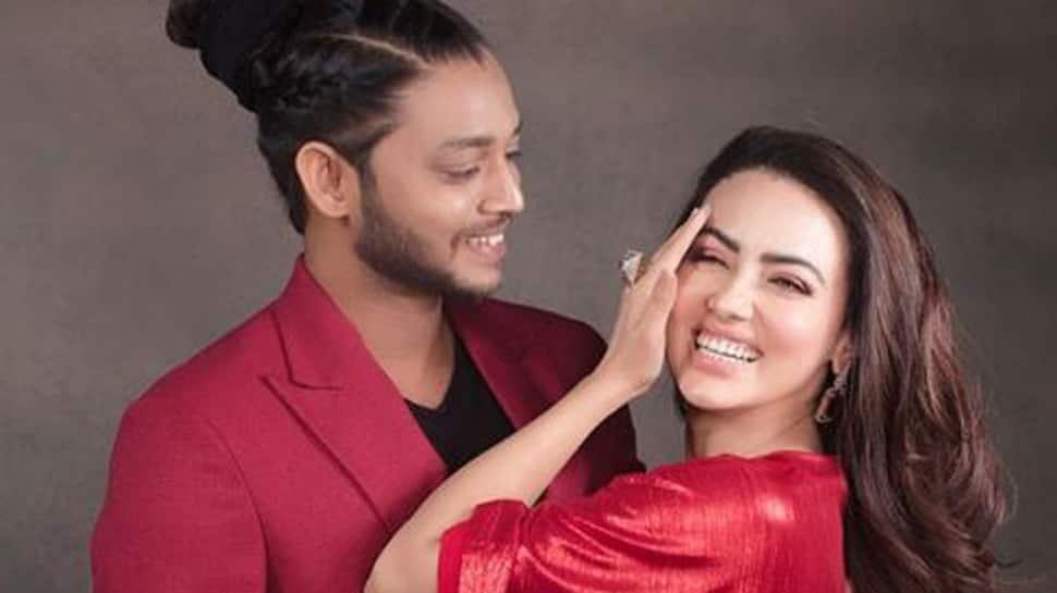 Sana Khan confesses love for dance tutor Melvin Louis