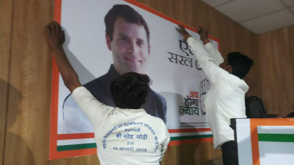 Congress removes labourer from Jaipur party office for wearing 'Narendra Modi' T-shirt