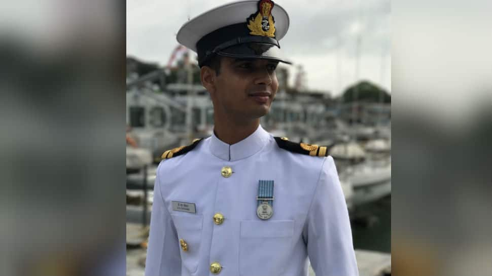 Braveheart Navy officer Lieutenant Commander DS Chauhan's mortal remains reach his home in Madhya Pradesh