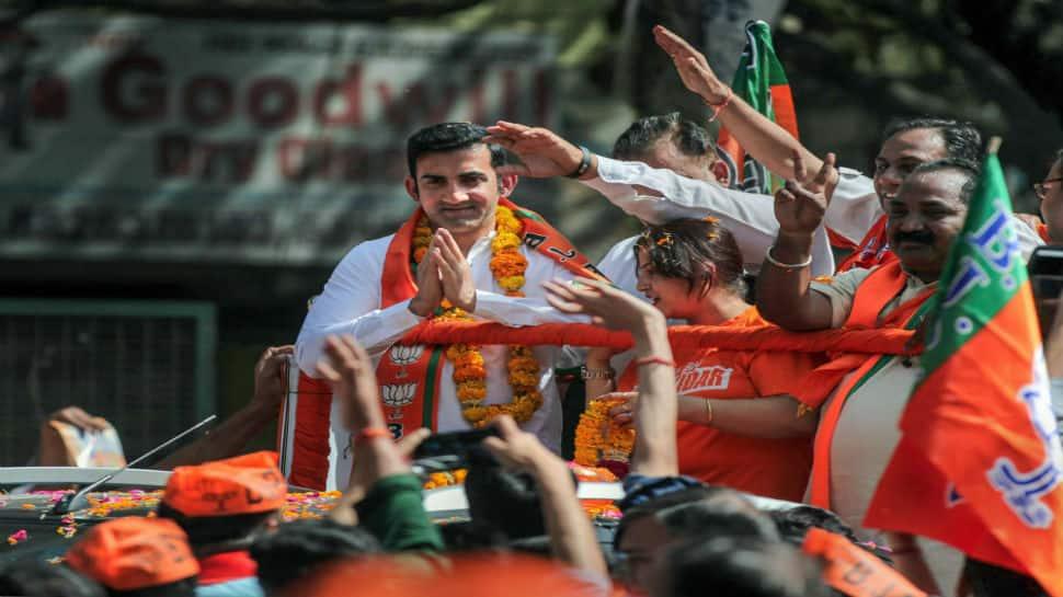 Gautam Gambhir reverse sweeps AAP's accusation on dual voter IDs