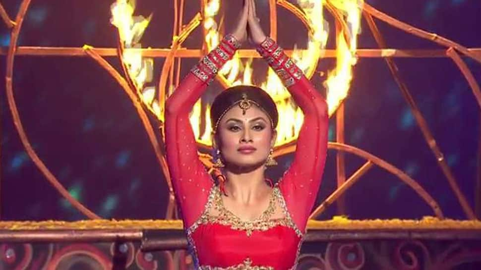 Mouni Roy dances like no one's watching, shares video on World Dance Day—Watch