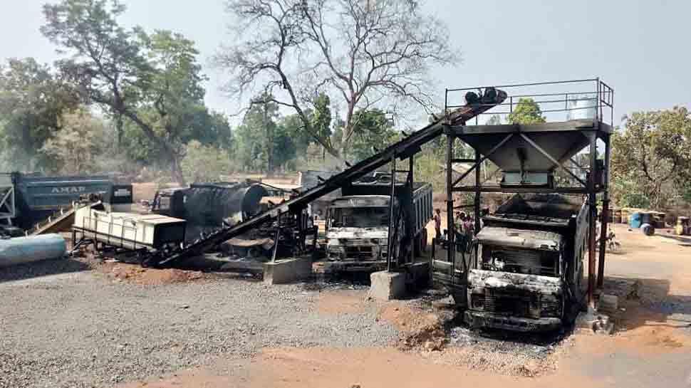 Naxals torch over 50 vechiles, machines in Maharashtra's Gadchiroli