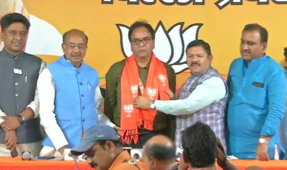 AAP Gandhi Nagar MLA Anil Bajpayi joins BJP