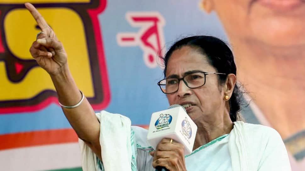 West Bengal CM Mamata Banerjee gets angry at 'Jai Shri Ram' sloganeers, BJP calls her intolerant