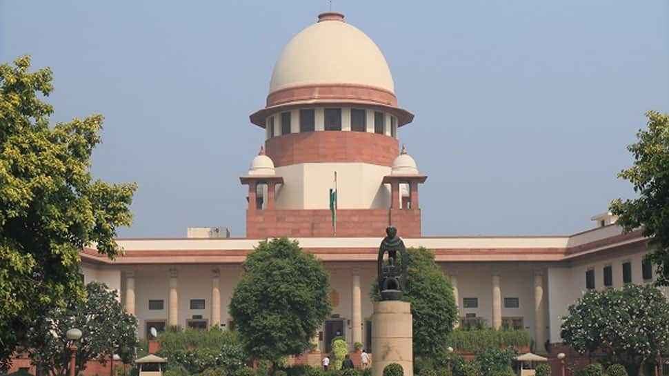 Tamil Nadu: SC stays disqualification proceedings against 3 AIADMK MLAs