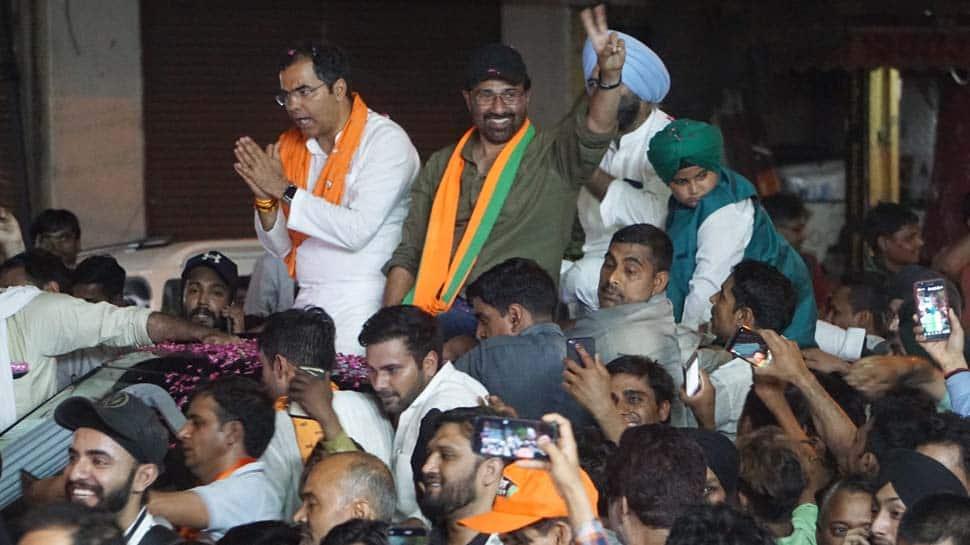 Sunny Deol's roadshow in West Delhi evokes massive response