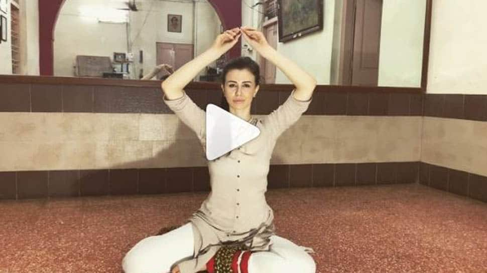 Arbaaz Khan's girlfriend Giorgia Andriani performs Kathak on 'Mohe Rang Do Laal', actor shares video