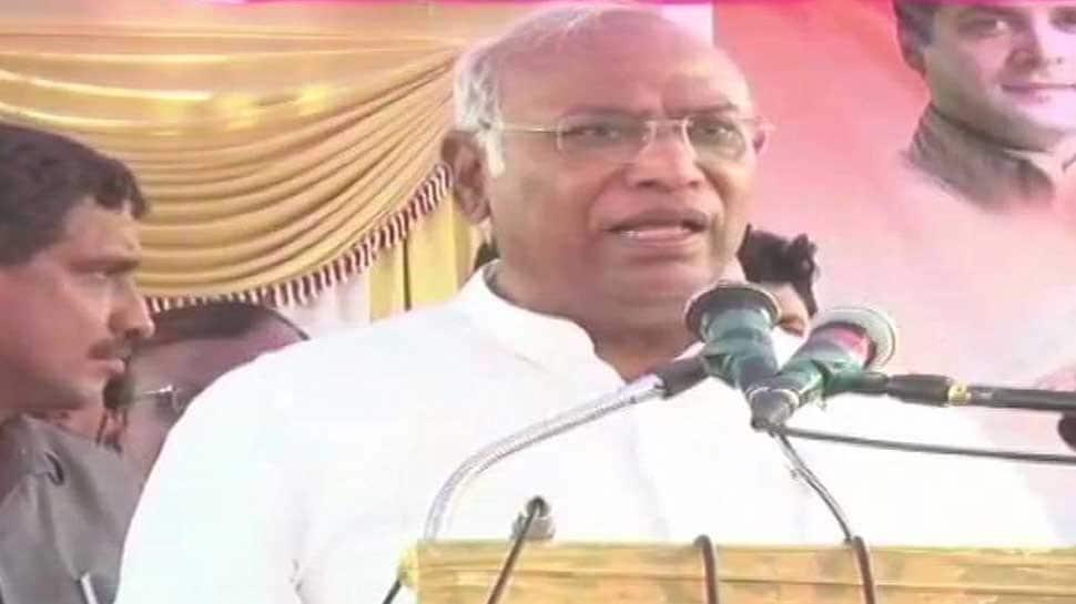 Will PM Narendra Modi hang himself in Vijay Chowk if Cong wins 40 seats in Lok Sabha: Mallikarjun Kharge