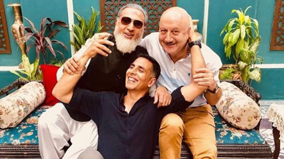 Akshay Kumar, Anupam Kher, Gulshan Grover have a mini reunion