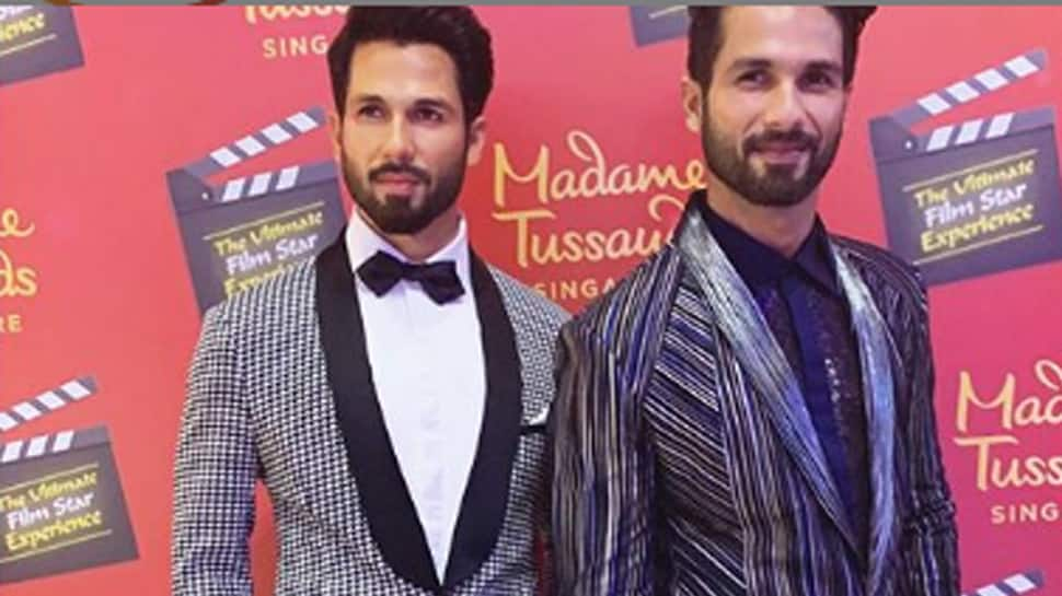Shahid Kapoor poses with his wax statue in Singapore