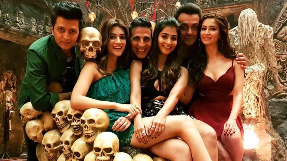 Kriti Sanon, Akshay Kumar starrer 'Housefull 4' song shoot begins—See fresh still