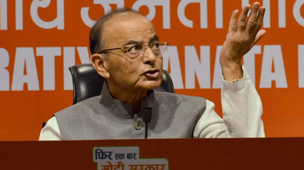 Without the family, Congress doesn't get crowd, with it they don't get votes: Arun Jaitley