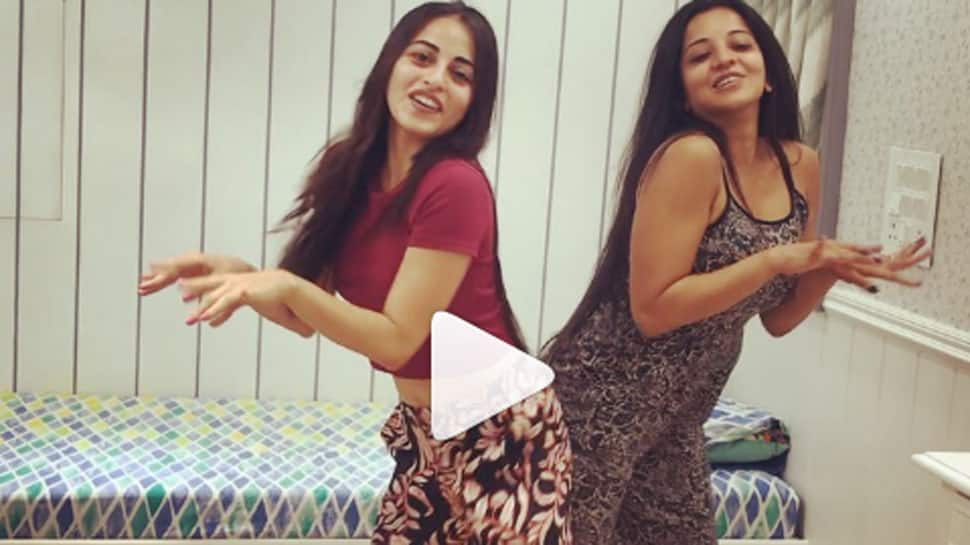 Monalisa dancing to 'Hook up' song in her vanity van with Niyati Fatnani is unmissable—Watch
