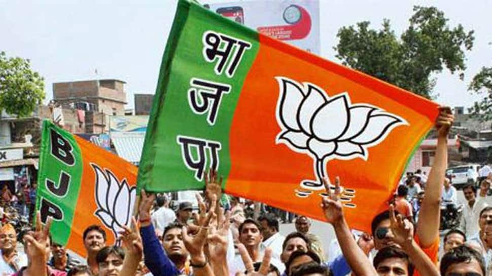 Madhya Pradesh Lok Sabha election results 2019: BJP ahead in 28 of 29 seats; Digvijay Singh, Jyotiraditya Scindia trailing