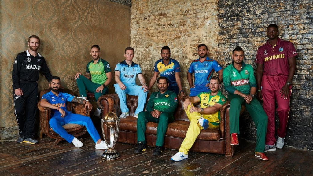 This 'King' pose of Virat Kohli in World Cup captains' pic leaves Twitter impressed