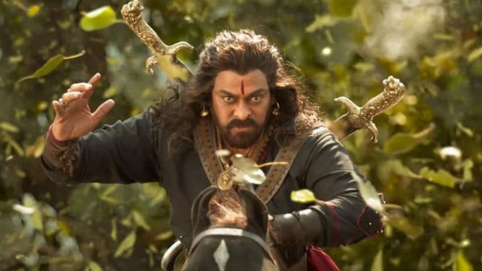 Is Farhan Akhtar interested in Chiranjeevi's 'Sye Raa Narasimha Reddy'? Deets inside