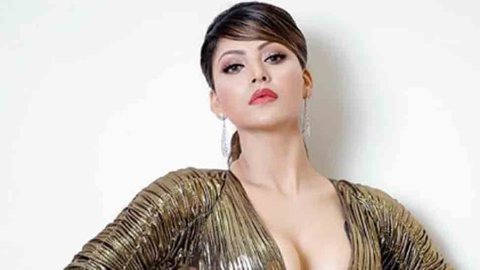 Urvashi Rautela looks smouldering in this metallic outfit at fashion event — Pics
