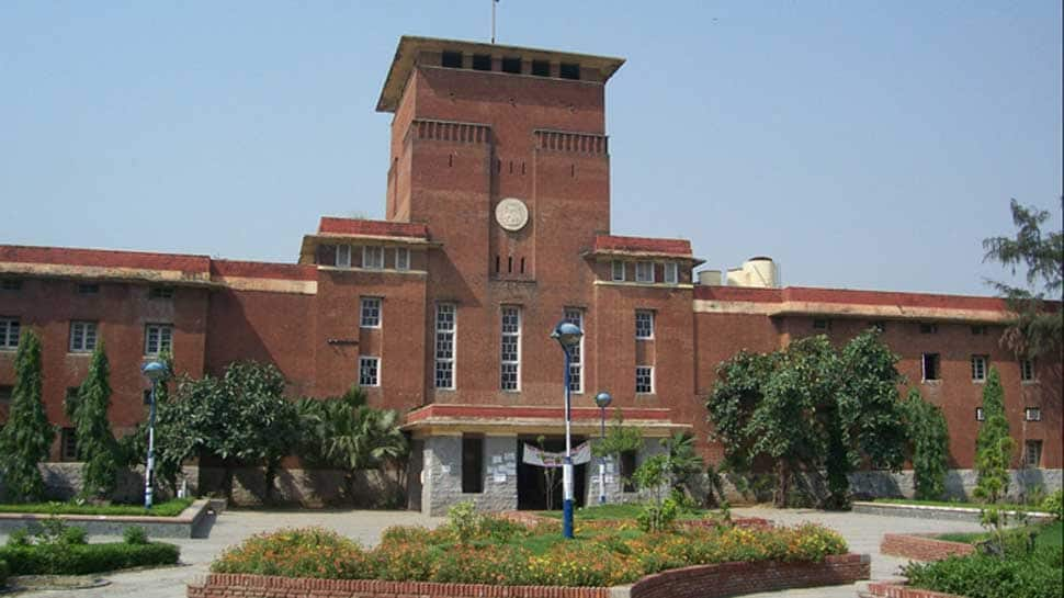 DU asks all colleges to carry out forensic exam of documents furnished by students