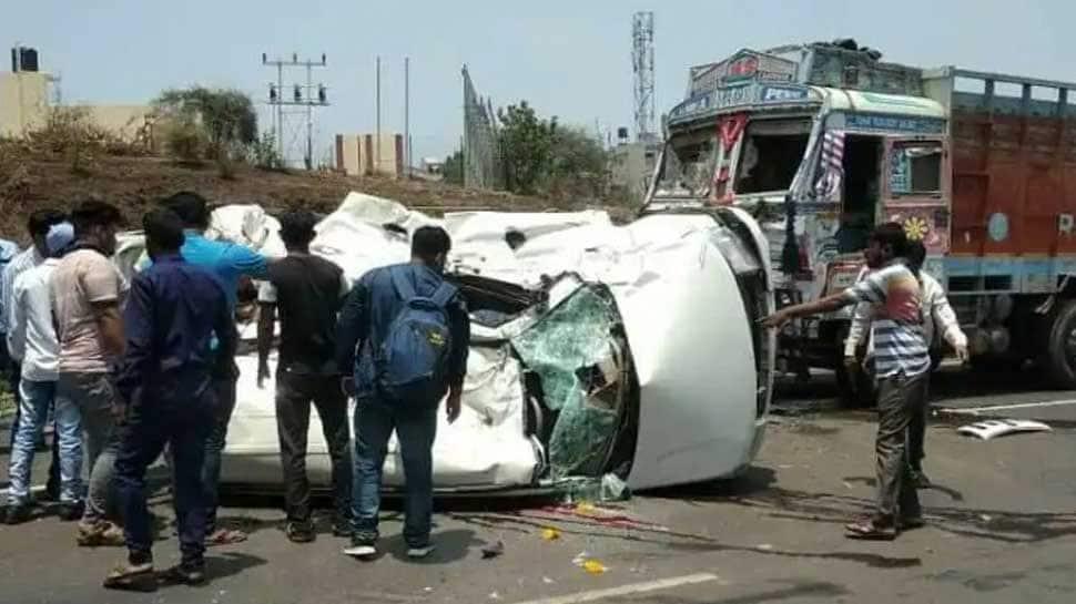 Five die, 1 injured in car-truck collision in Karnataka's Belgaum
