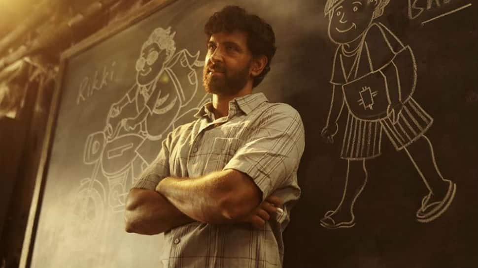 Super 30 trailer: Hrithik Roshan as Anand Kumar takes us to the journey of one man's struggle, dedication to change the education system