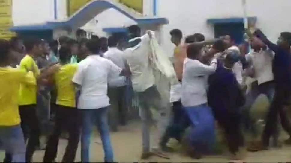 One dead in clashes between Trinamool and BJP workers in West Bengal's Dinhata